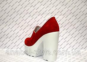 Туфли женские стильные на толстом каблуке замшевые красные, фото 3