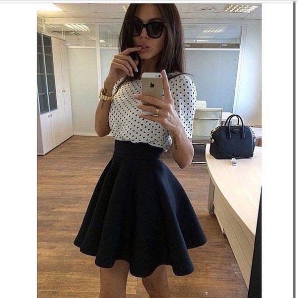 Расклешенная юбка с широким поясом