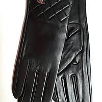 Женские кожаные перчатки Chanel черные