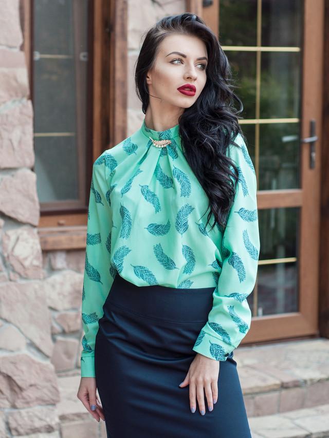 Красивая женская шифоновая блузка с длинным рукавом