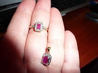 Золотой комплект с рубинами и бриллиантами