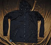 Черная куртка, дождевик