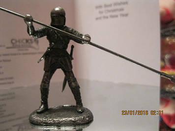 Воєн фігурка ФІГУРА статуетка лицар метал з пікою сувенір сплав олова
