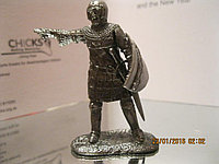 Коллекционная фигурка статуэтка солдат ВОИН рыцарь металл со щитом и мечом сплав олова