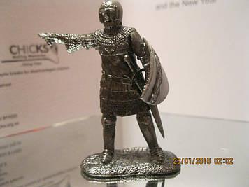 Колекційна фігурка статуетка солдатів ВОЇН лицар метал зі щитом і мечем сплав олова