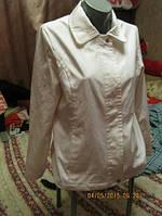 Фирменная белая ветровка куртка как новая 44-10 S