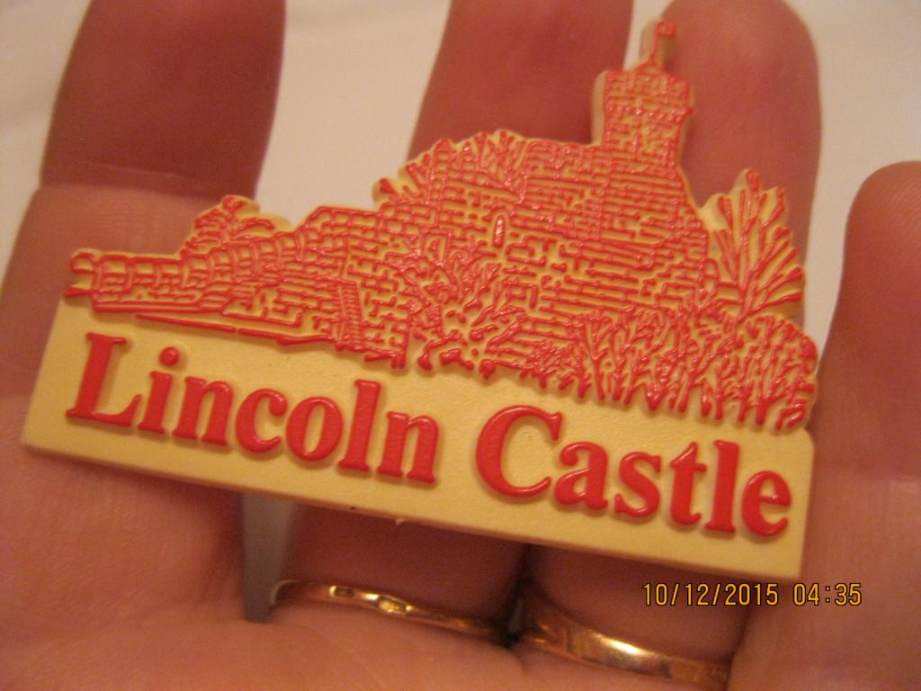 LINCOLN CASTLE замок ЗНАЧОК БРИТАНІЯ БРОШКА БРОШКА старий