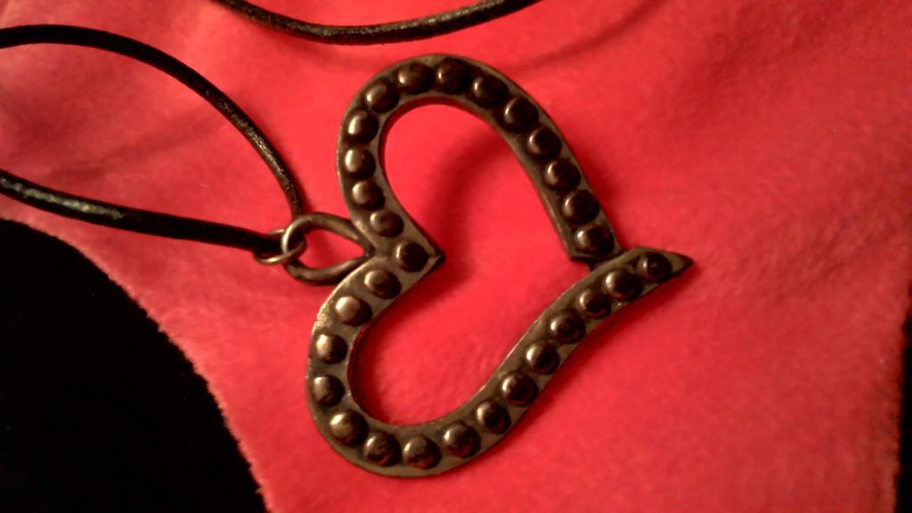 Подвеска сердце на шнурке черное шикарно ожерелье