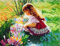 Схема для вышивки бисером Малышка в цветах, размер 30х23 см