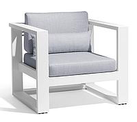 Кресло из дерева 004