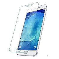 Защитное Стекло на Самсунг Galaxy A8 Тонкое 0.26 мм гладкие стороны и углы 2.5D