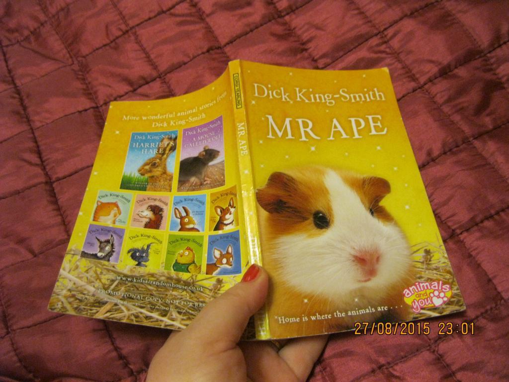 Книга НА АНГЛІЙСЬКІЙ МОВІ тварина з БРИТАНІЇ