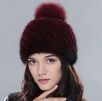 Женская норковая шапка с бубоном вишневая