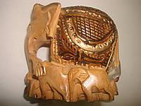 Слон фэн-шуй с опущенным хоботом
