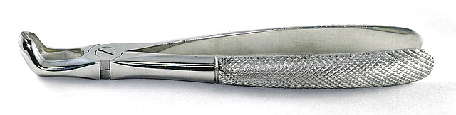 Щипцы для удаления моляров нижней челюсти № 22  SURGIWELOMED