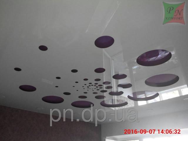 Резной натяжной потолок 2
