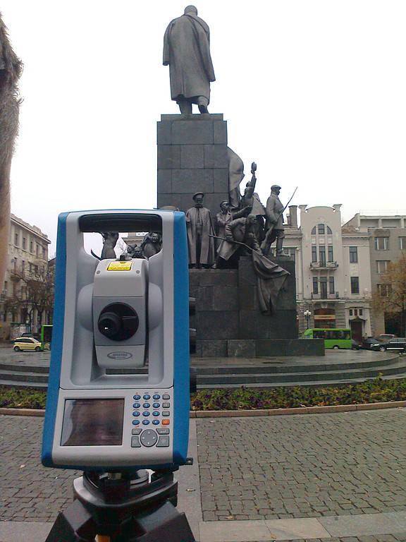 Сканирование тахеометром Focus 30 памятника Шевченко г. Харьков (2011)
