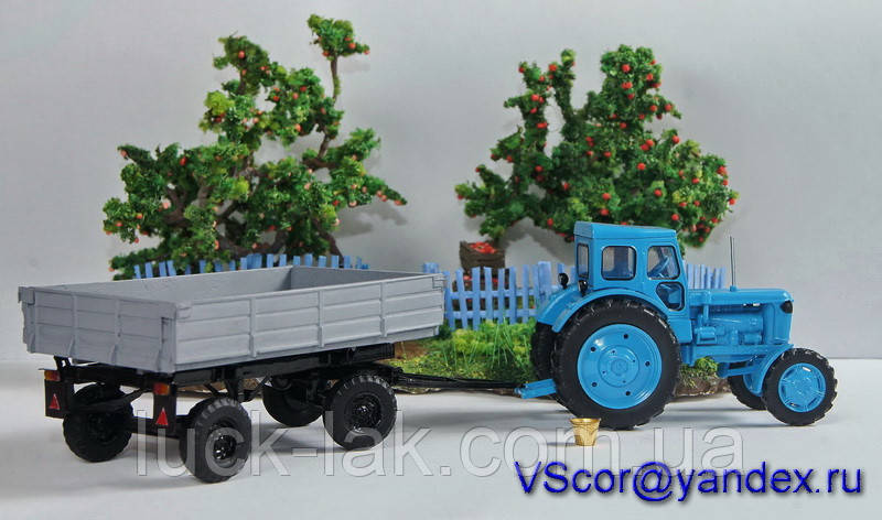 Масштабная модель прицеп тракторный ПТС-4,5 (1/43)