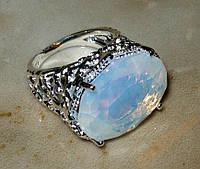 Кольцо с лунным камнем р.17,5