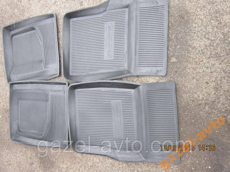 Коврики салона резина Волга 2401, 2410,3102,31029,3110, 31105 комплект 4 шт.