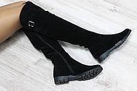 Зимние замшевые сапоги-ботфорты черные с застежкой