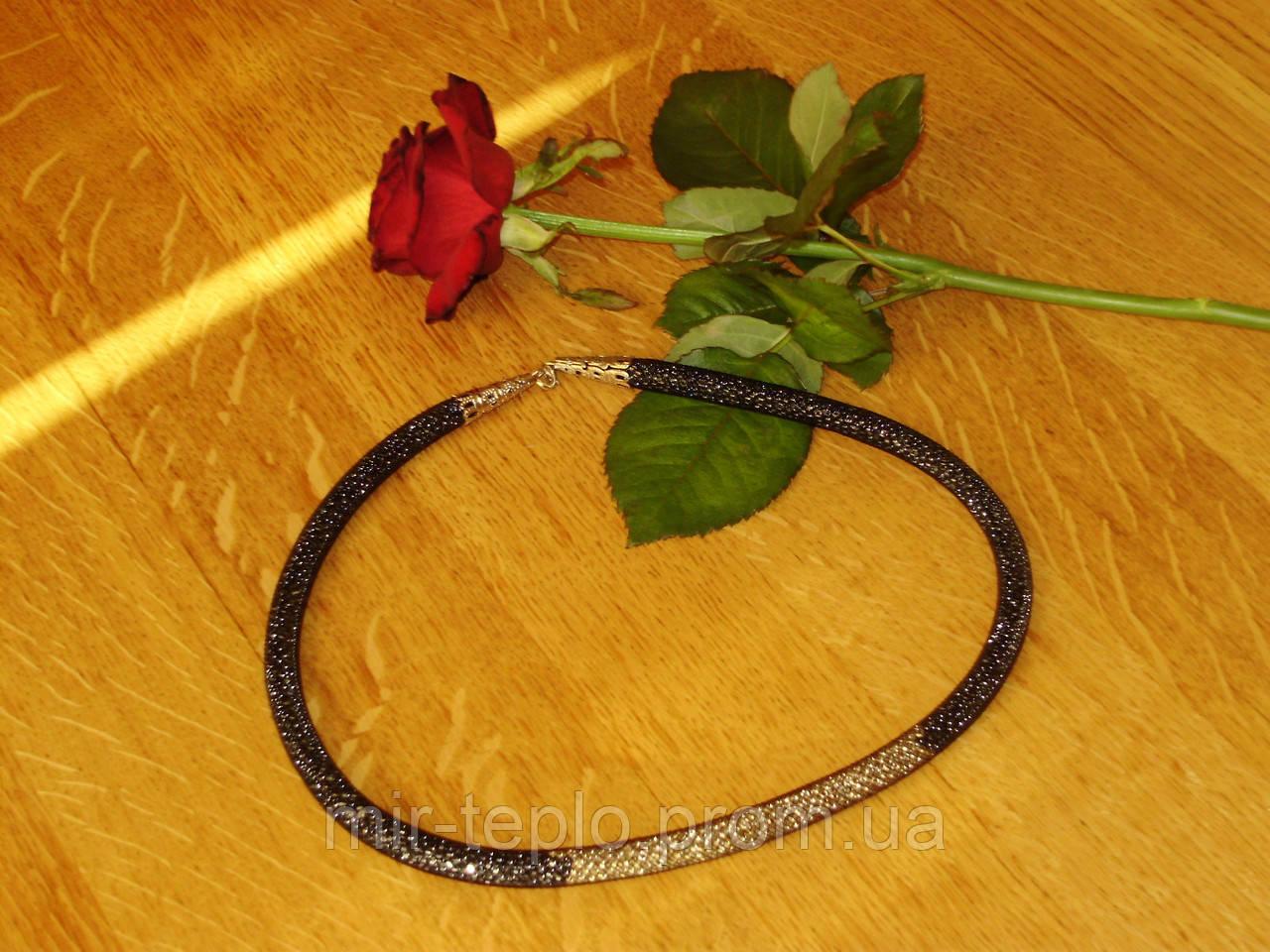 Стильное ожерелье ручной работы