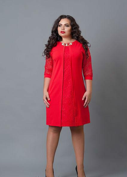 Красное красивое платье большого размера