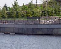 Укрепление берега бетонным шпунтом