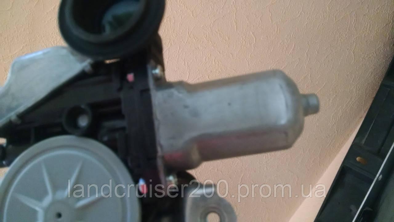 Мотор стеклоподъёмника двери Toyota Land Cruiser 200