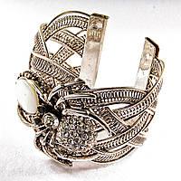 [6,5 см] Браслет Перламутр широкий скобка металл паук держащий камень со стразами, фото 1