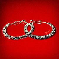 [35 мм] Серьги-кольца итальянский замок с разноцветными стразами маленькие светлый металл