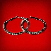 [45 мм] Серьги-кольца итальянский замок с черными стразами среднего размера черный металл