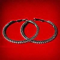 [55 мм] Серьги-кольца итальянский замок с черными стразами среднего размера черный металл