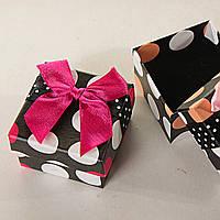 [5/5/4 см] Подарочная коробочка для украшений маленькая 24 шт. Ассорти цветов Горошек