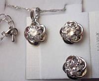 Набор бижутерии Цветок, позолота, покрытие белое 18К золото, серьги + кулон с цепочкой