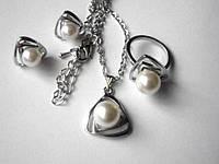 Набор бижутерии Жемчужный, позолота, покрытие белое 18К золото, 4 части: кольцо, серьги и кулон с цепочкой