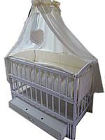 """Кроватка маятник """"Малыш Люкс"""" с ящиком белая + матрас кокос + постельный набор 8 эл., фото 1"""
