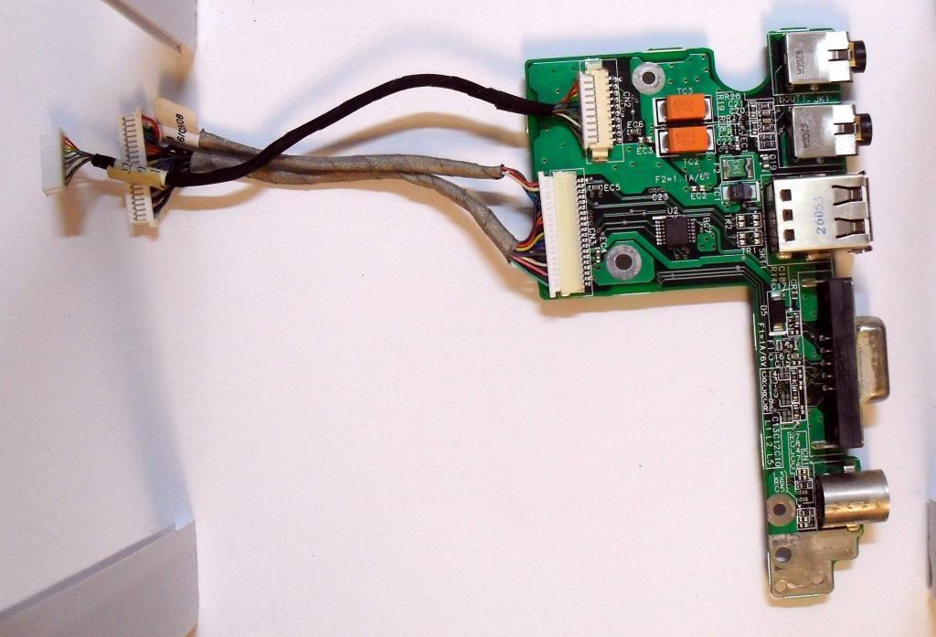 032 Разъемы VGA Аудио USB HP dv4000 - 48.49Q02.021