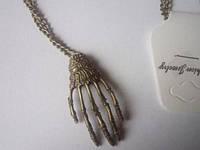 Цепочка с кулоном рука Скелет, цвет бронза