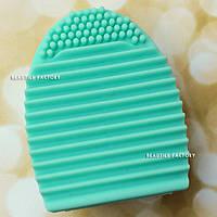 Щетка для очищения кистей Beauties Factory Brush Cleaning Eggs – Mint