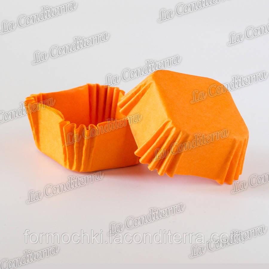 Формочки для конфет, квадратные, оранжевые (40x40x22 мм), упаковка - 1500 шт.