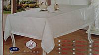 Праздничная скатерть украшена атласной лентой, 150х220 см., 235/200 (цена за 1 шт. + 35 гр.)
