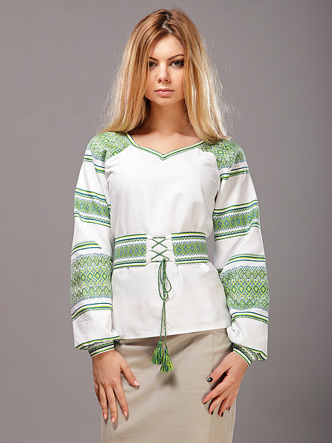 Вышиванка женская с поясом,зеленый орнамент