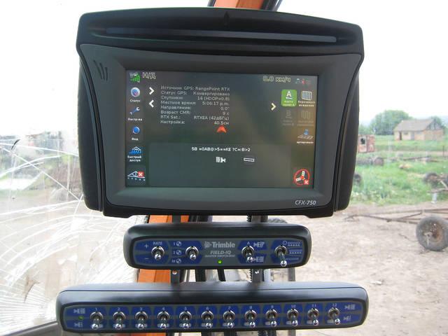 Монитор CFX 750 с автоматичесими переключателями секций