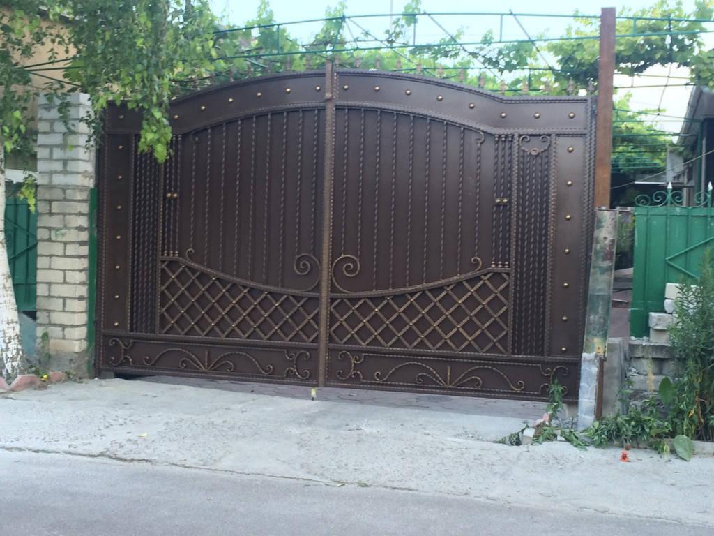 Кованые распошные ворота
