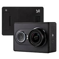 Экшн-камера Xiaomi Yi Sport черная и белая