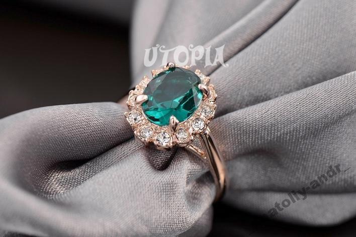 Кольцо Austrian Green Crystal 18K покрытие золотом
