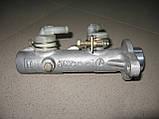 Головний гальмівний циліндр JKC 2 отвори б/у на Isuzu Midi з 1989 року, фото 2
