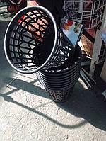Урна (мусорное ведро) для бытового мусора и бумаги.