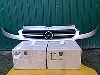Решётка радиатора на Opel Vivaro 01->06